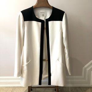 Spanner women's 3/4 cream and black zip up blazer size 12